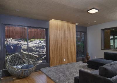 1492-Posen_Ave-Berkeley-Livingroom